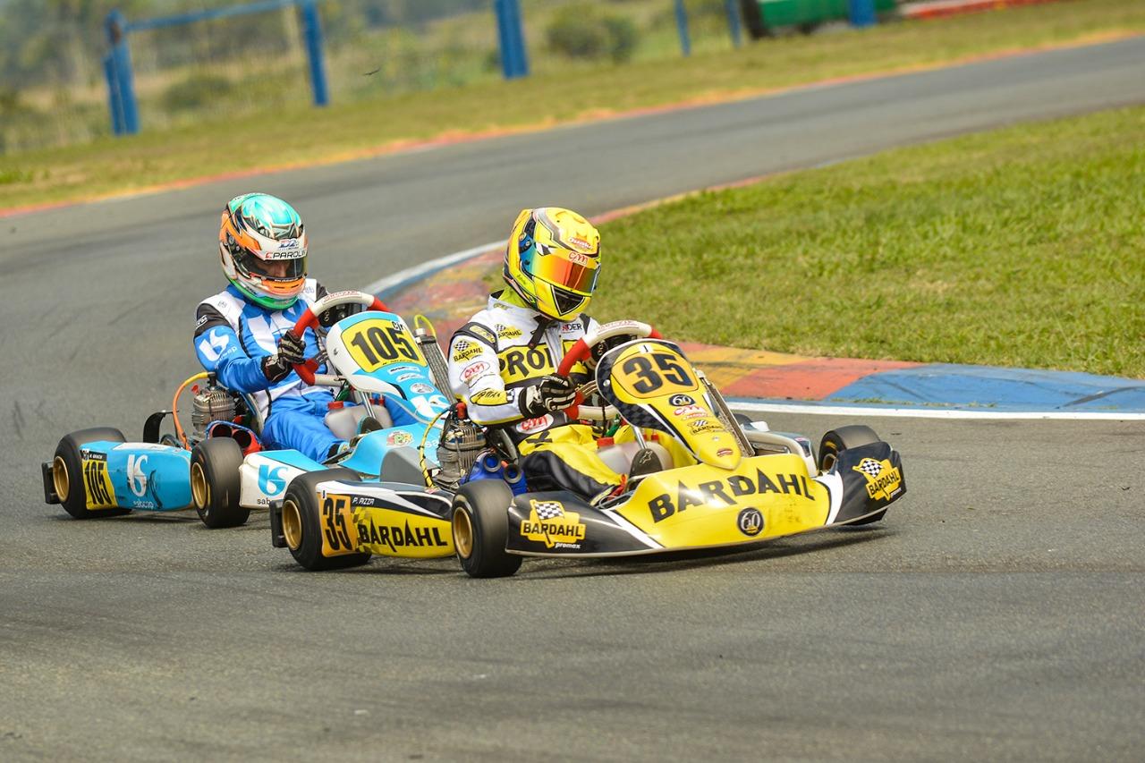 Pedro Aizza sobe no pódio da 21ª Copa Brasil de Kart em Penha (SC)