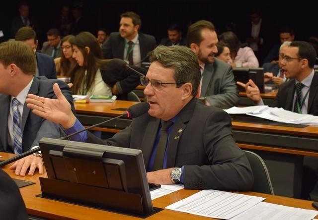 Damaso emplaca emenda de R$ 100 milhões para expansão da educação superior na CFT