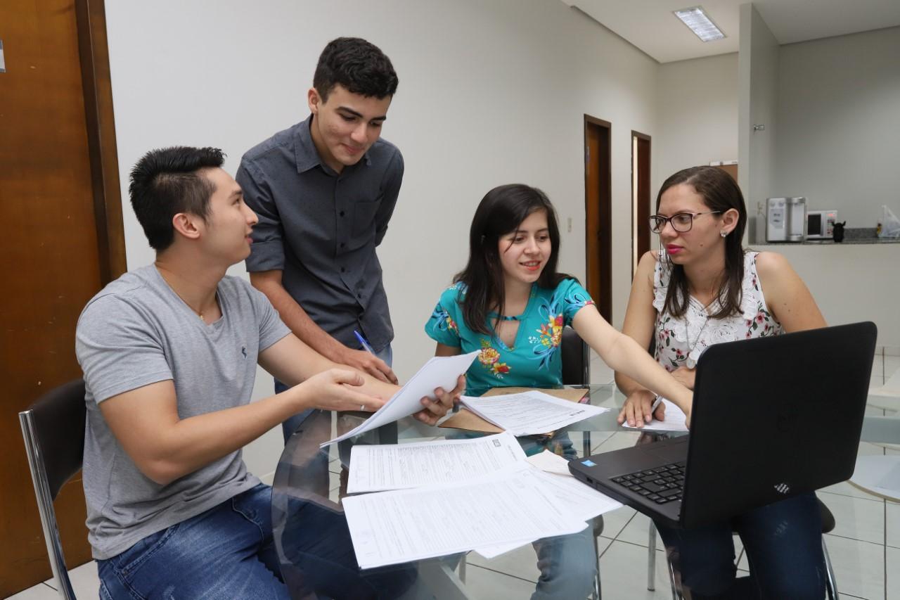 IEL divulga 19 vagas de estágio para estudantes de nível superior