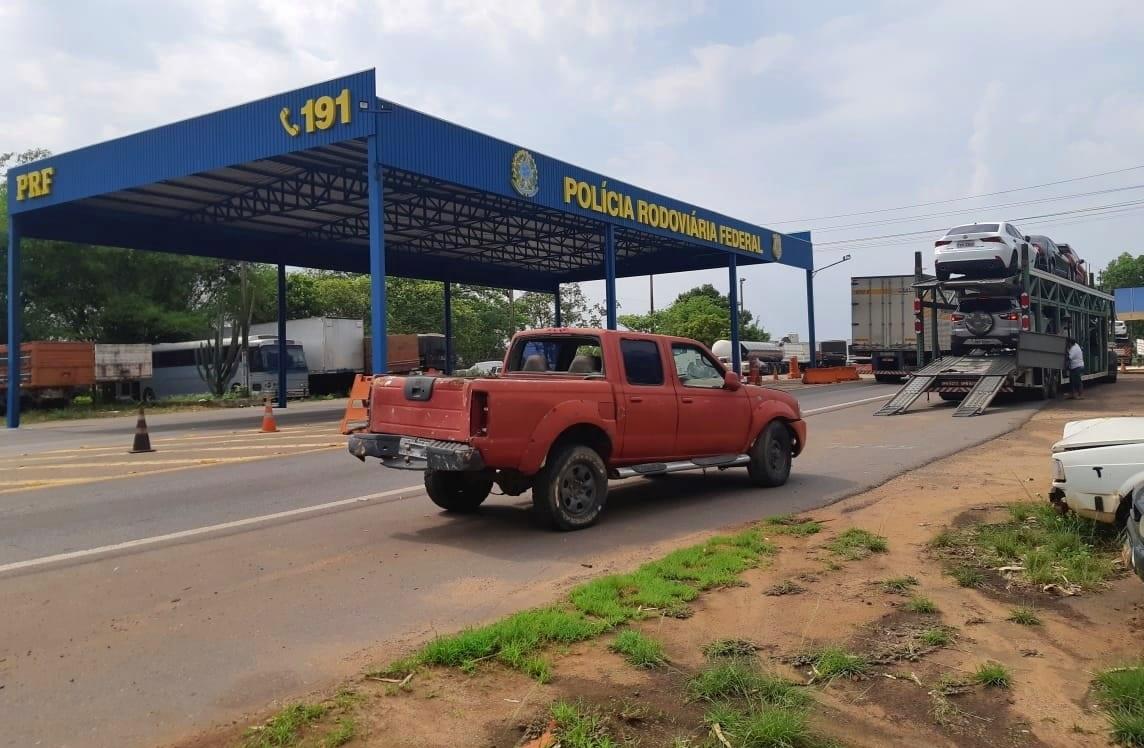 PRF Guaraí recupera caminhonete furtada em 2016 no Maranhão