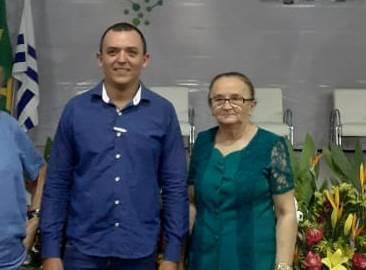 Prefeita Maria de Jesus e secretário de Educação de Chapada de Areia parabenizam professores