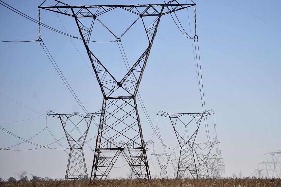 Leilão de energia movimenta R$ 44 bilhões em nove estados