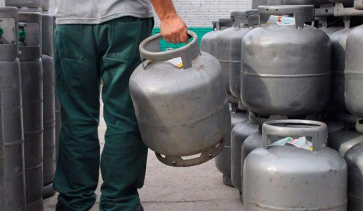Petrobras reajusta preço do gás de cozinha em 5%