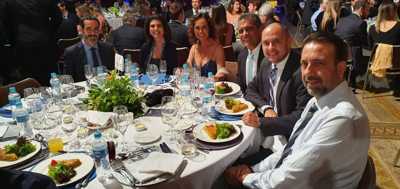 Madrinha da Casa Ronald McDonald Moema, Faa Morena prestigia jantar de gala do Instituto Ronald