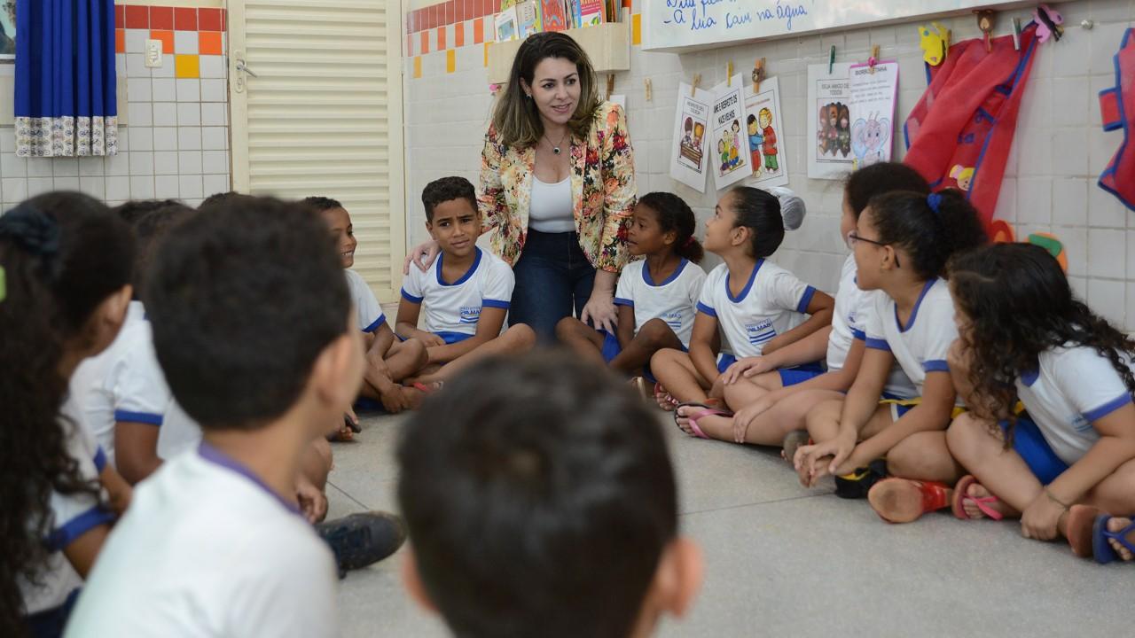Durante visita à Escola Lúcia Sales no Taquari, Cinthia Ribeiro anuncia recurso de mais de R$ 2,2 milhões para a unidade