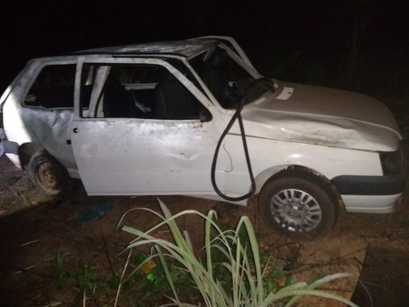 Passageiro morre após carro capotar na TO-225, entre Cristalândia e Lagoa da Confusão