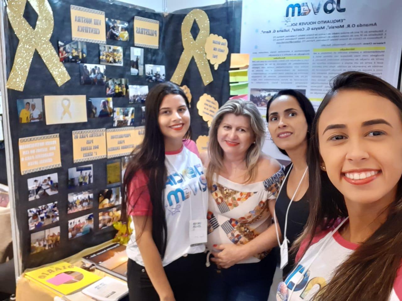 Equipe do CEM Tiradentes participa em Recife da 25ª Ciência Jovem