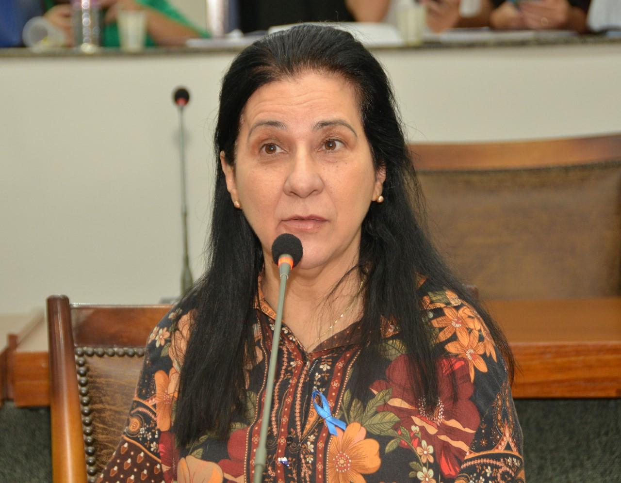 Lei deve priorizar atendimento à mulher vítima de violência