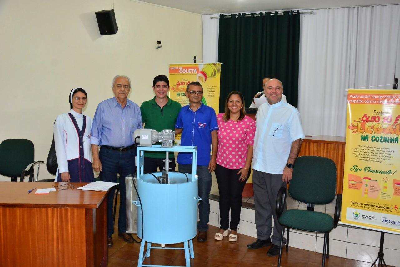 Com Máquina para produção de sabão, campanha de recolhimento de óleo vegetal usado é lançada em Paraíso