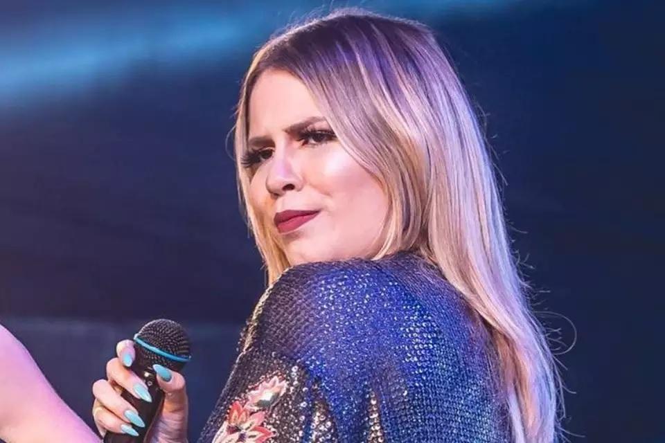 Marília Mendonça lança primeiro clipe da carreira