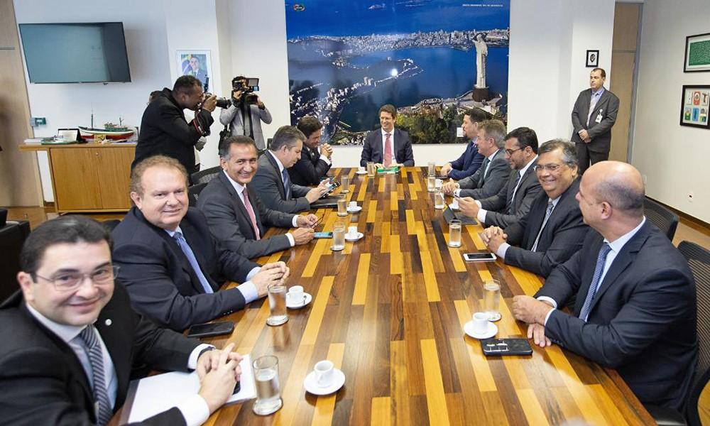 Mauro Carlesse participa de reunião com Ministro do Meio Ambiente e governadores da Amazônia Legal em Brasília