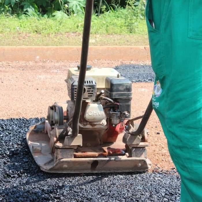 Operação tapa buracos restaura ruas e avenidas de Cristalândia