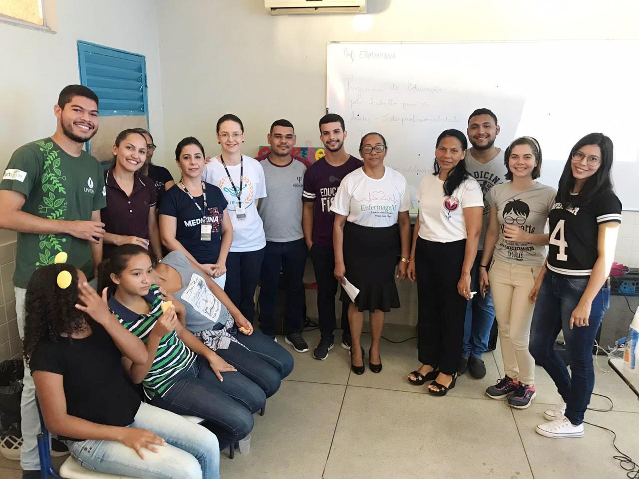 Prefeitura de Miracema e grupo PET/Saúde realizam roda de conversa com alunos