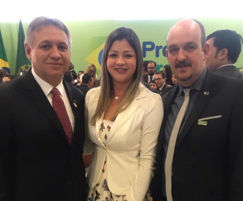 Secretária municipal de Chapada de Areia participa, em Brasília, do lançamento do Programa Previne Brasil