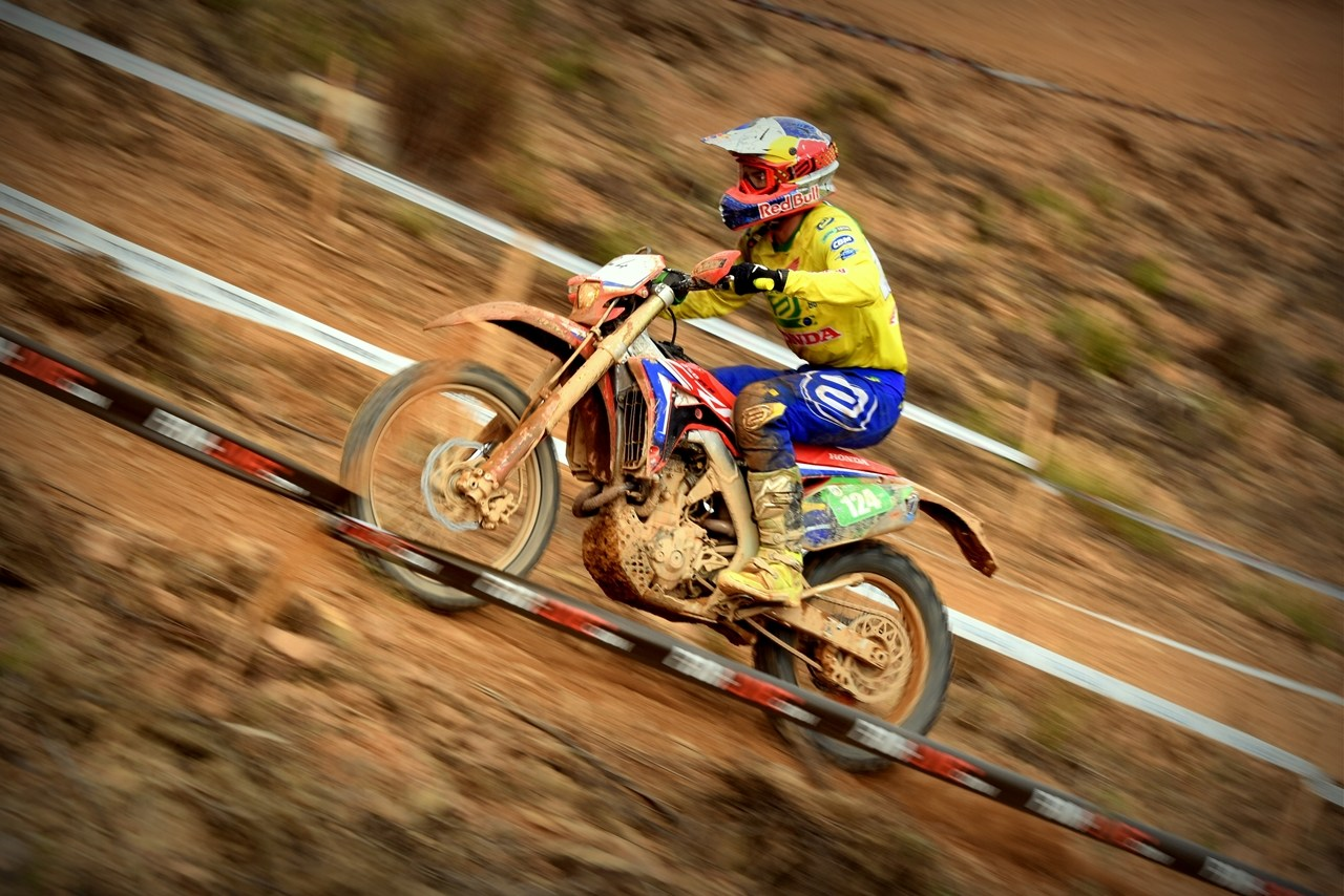 Time Júnior do Brasil inicia International Six Days Enduro em 10º lugar