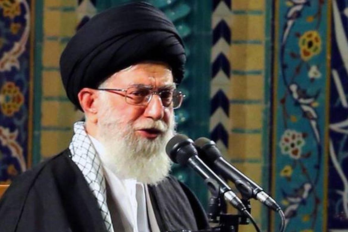40 pessoas são detidas em protesto contra aumento da gasolina no Irã