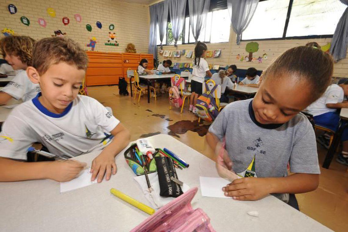 Escolas públicas sofrem com baixa qualidade do ensino de inglês