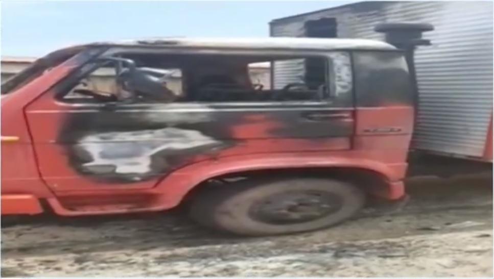 Criminosos ateiam fogo em caminhão em frente à casa da proprietária em Palmas