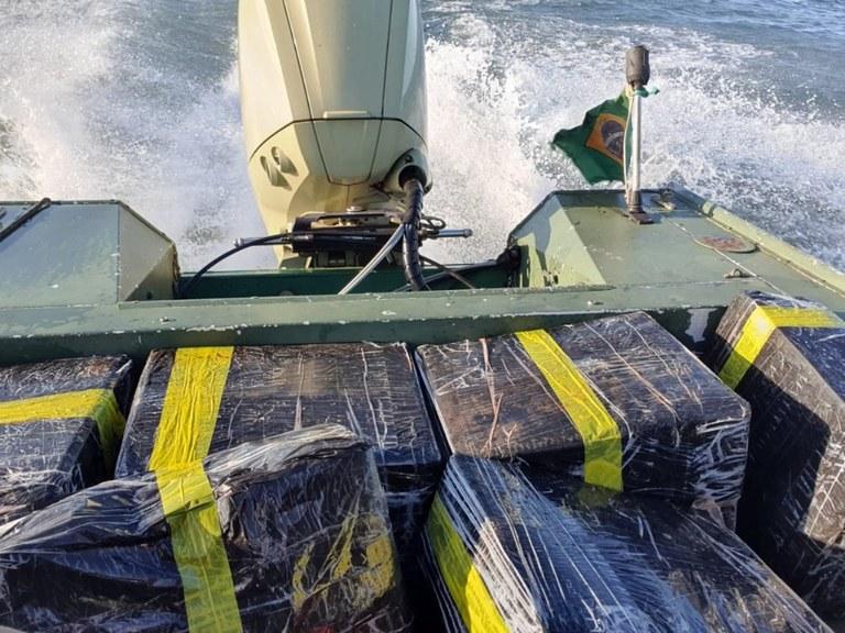 PF apreende 300kg de agrotóxico e essência de narguilé em Itaipulândia/PR