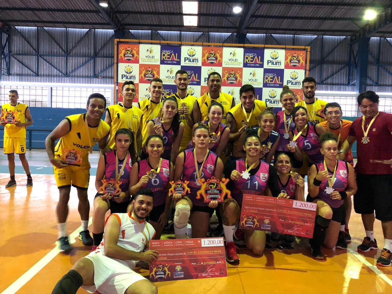 Equipes de Pium vencem 3º Torneio de Voleibol do Vale do Araguaia