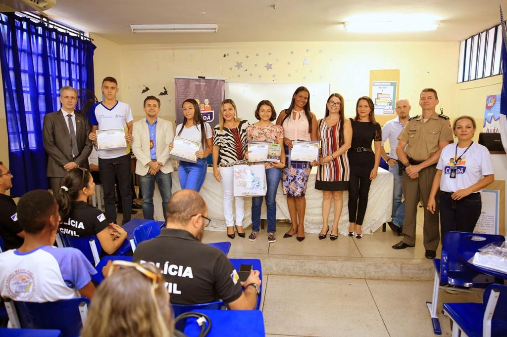 Alunos do CEM José Alves de Assis de Paraíso recebem ações do Projeto Justiça Cidadã