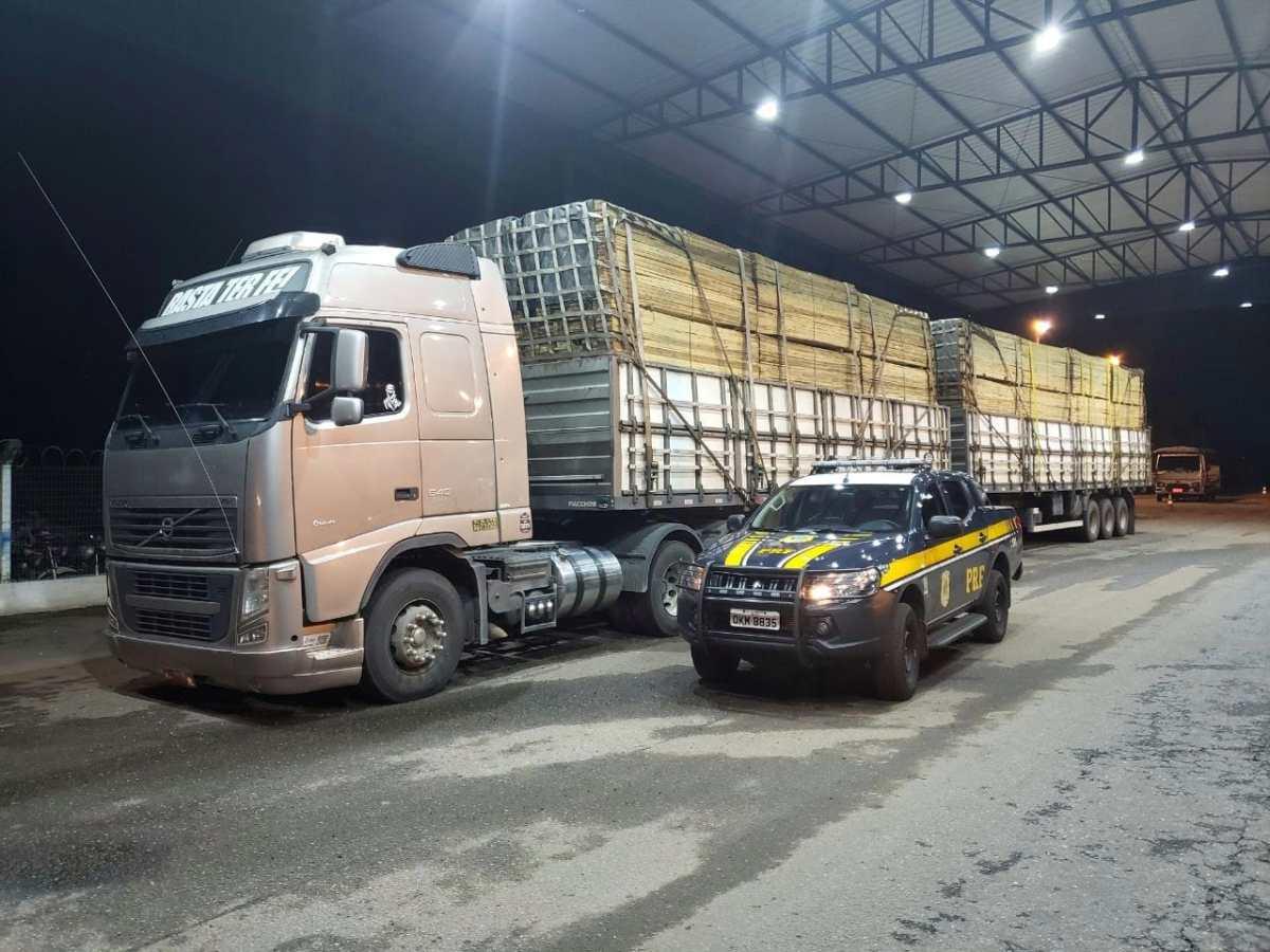 PRF Paraíso flagra caminhão carregado com madeira sem documento fiscal e excesso de peso - Surgiu