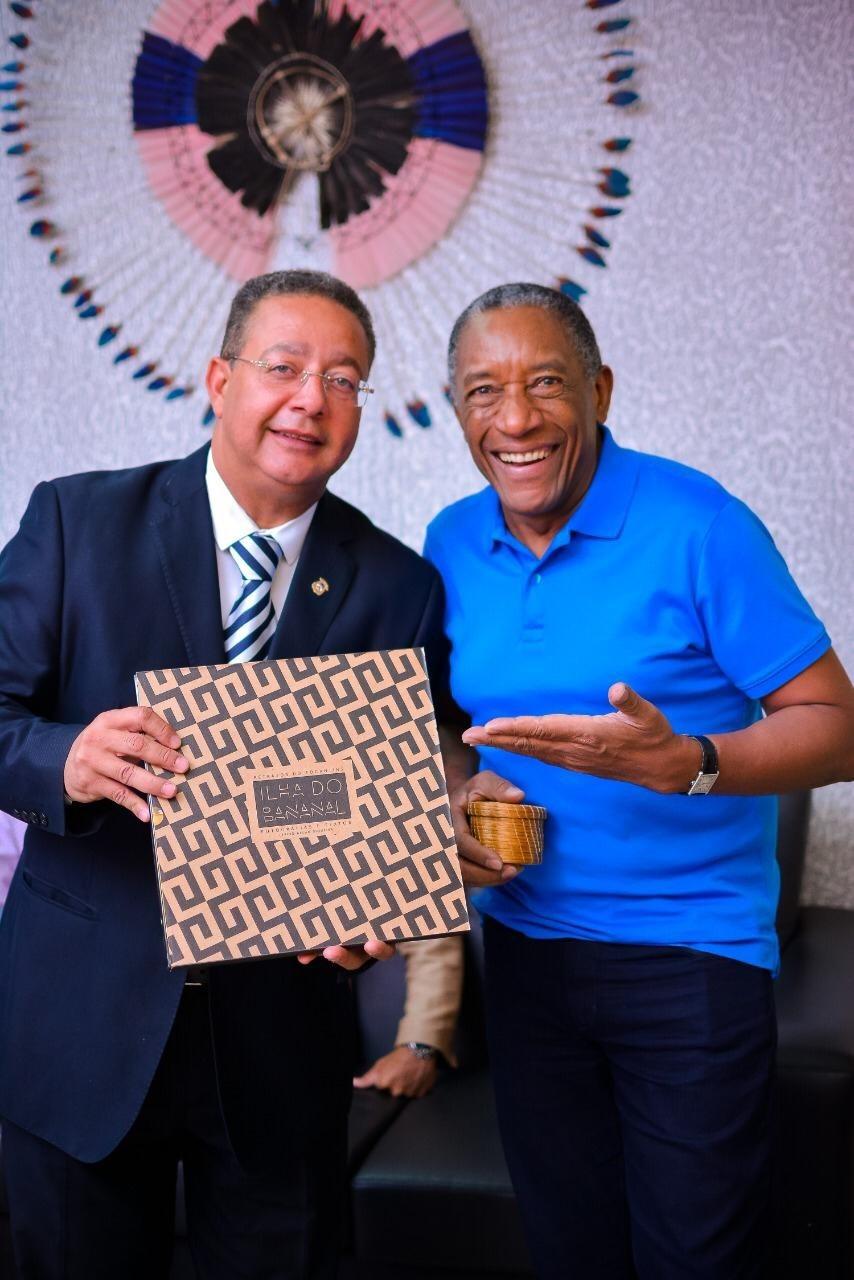 Presidente da Adetuc recebe visita do empresário e palestrante Geraldo Rufino