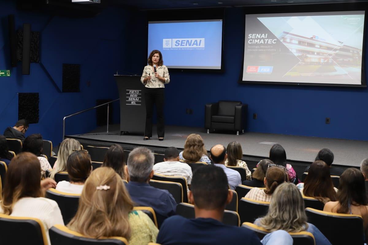 Empresários do setor de alimentos participam de palestra do SENAI sobre inovação em Palmas