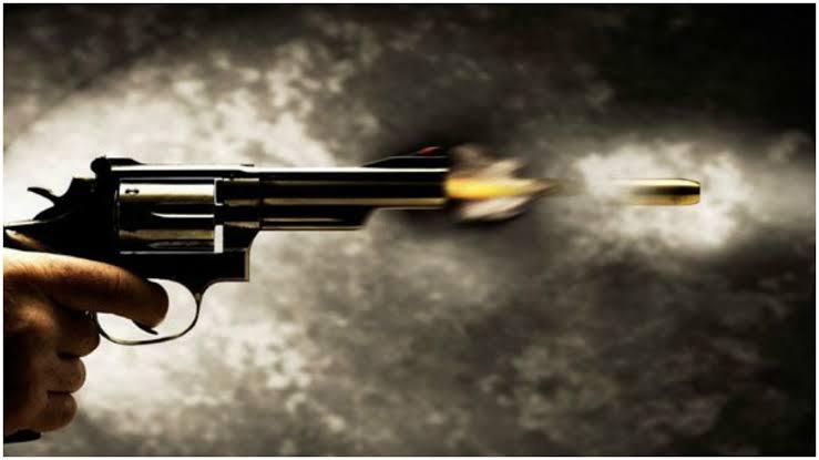 Adolescente 'brinca' com arma, dispara um tiro e mata irmã de 14 anos em Cuiabá
