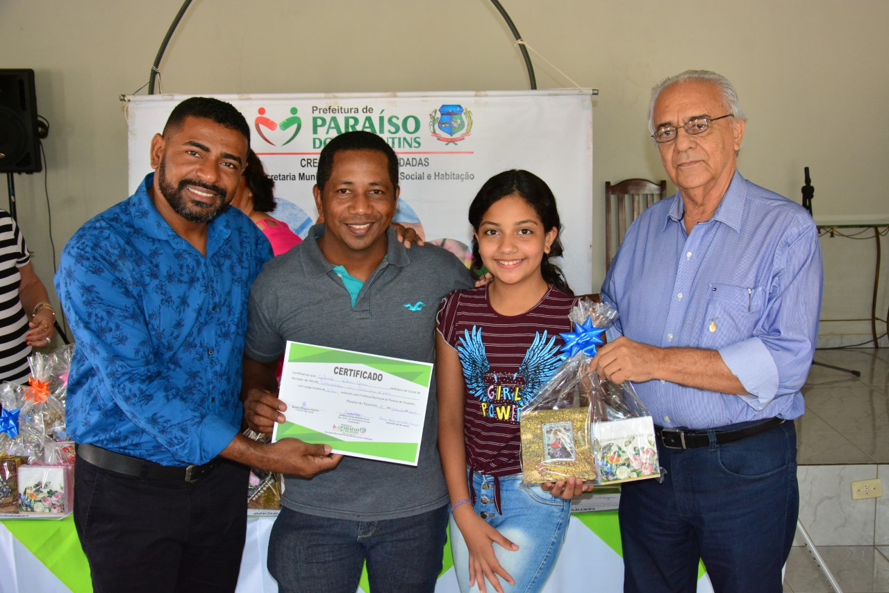 Moisés Avelino participa de encerramento do Curso de Geração de renda em setor de Paraíso