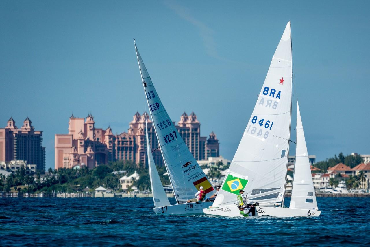 Brasileiros vencem duas regatas e decidem Star Sailors League Finals