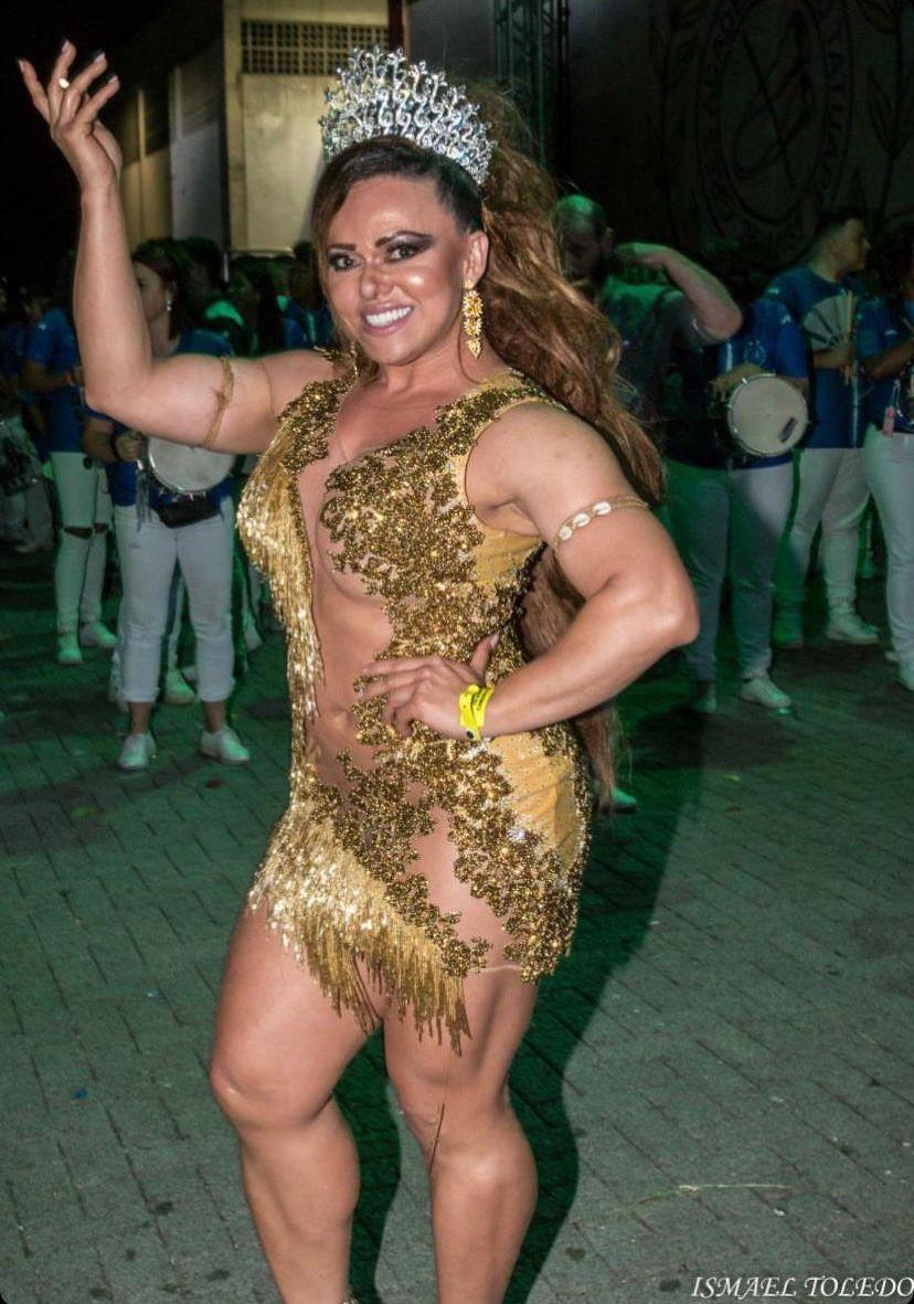 Andréa Capitulino Rainha de Bateria Bicampeã de SP prestigia lançamento do CD do Carnaval 2020