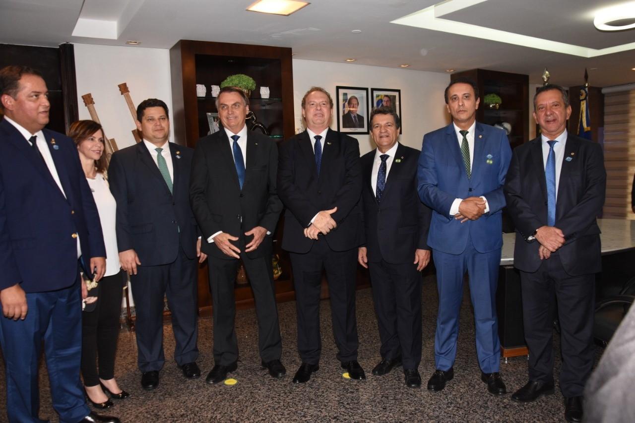 Damaso participa, ao lado de Bolsonaro, do lançamento de programa de investimentos no Tocantins