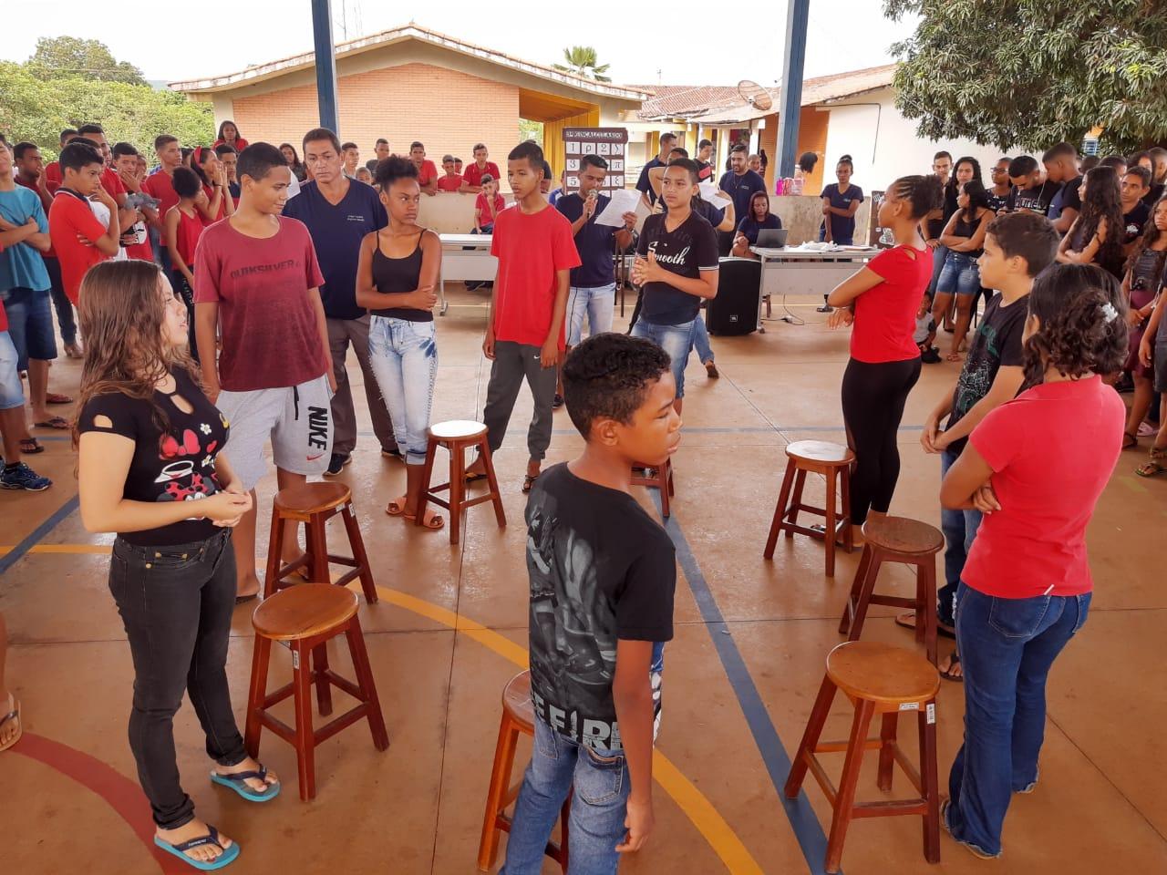 Semana da Educação movimenta projetos de cultura, arte e leitura no Colégio Estadual Ranulfa de Aurora