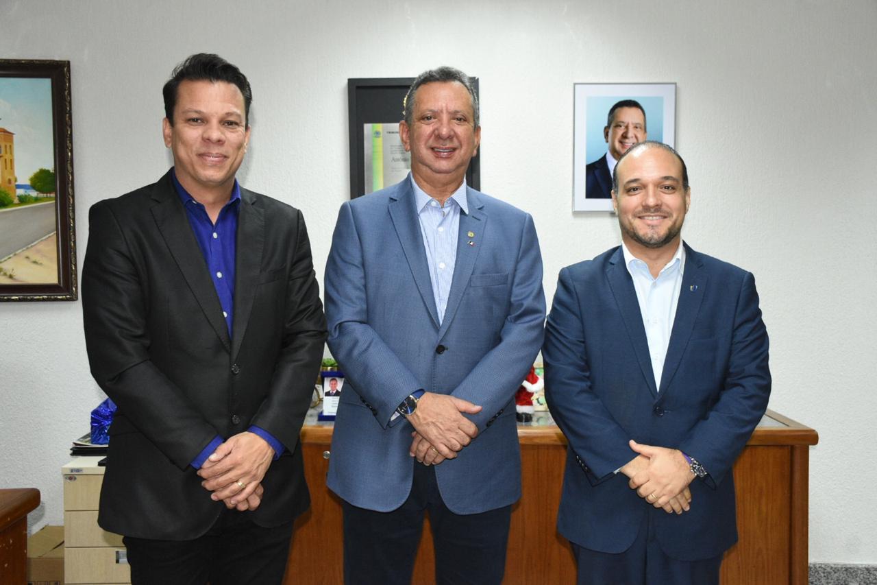 Em parceria com ILB Antonio Andrade quer capacitar legisladores do TO