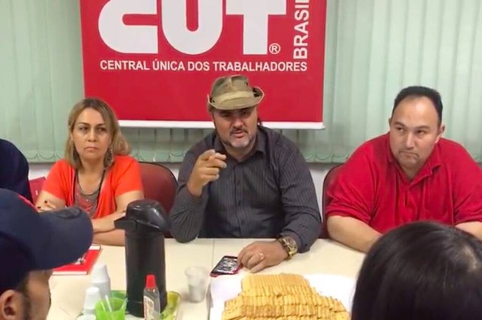 """Caminhoneiros prometem greve no dia 16/12: """"O Brasil vai parar"""""""