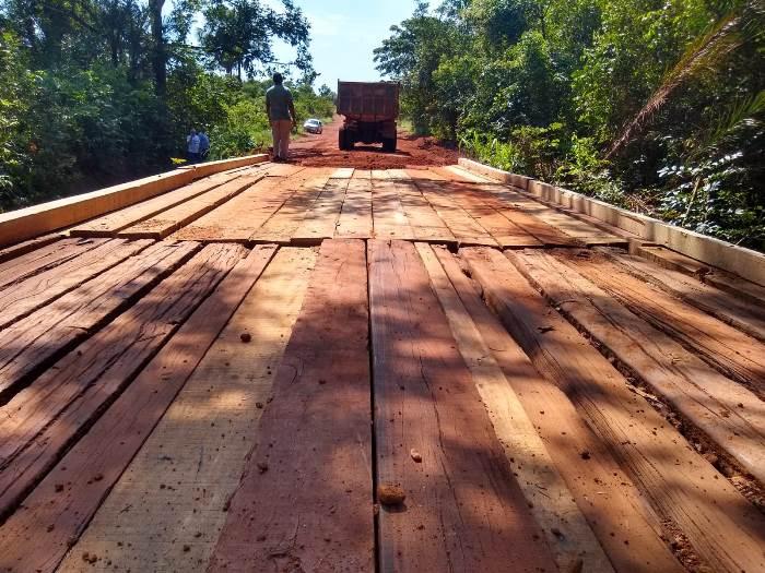 Prefeitura de Pium e Ageto restauram ponte sobre o Córrego Matança