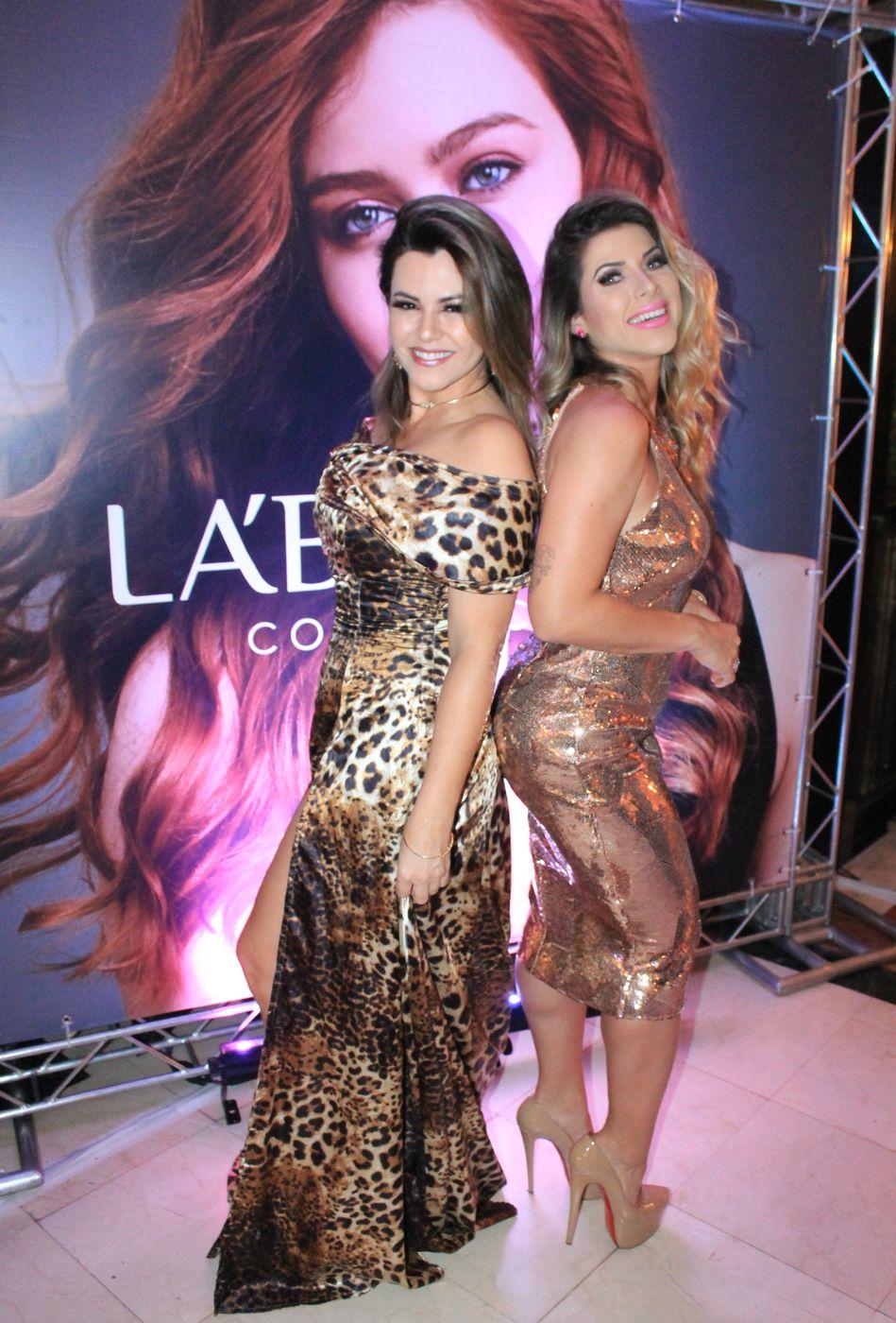 Ana Paula Minerato e Tânia Oliveira capricham no look para famosa Premiação em SP