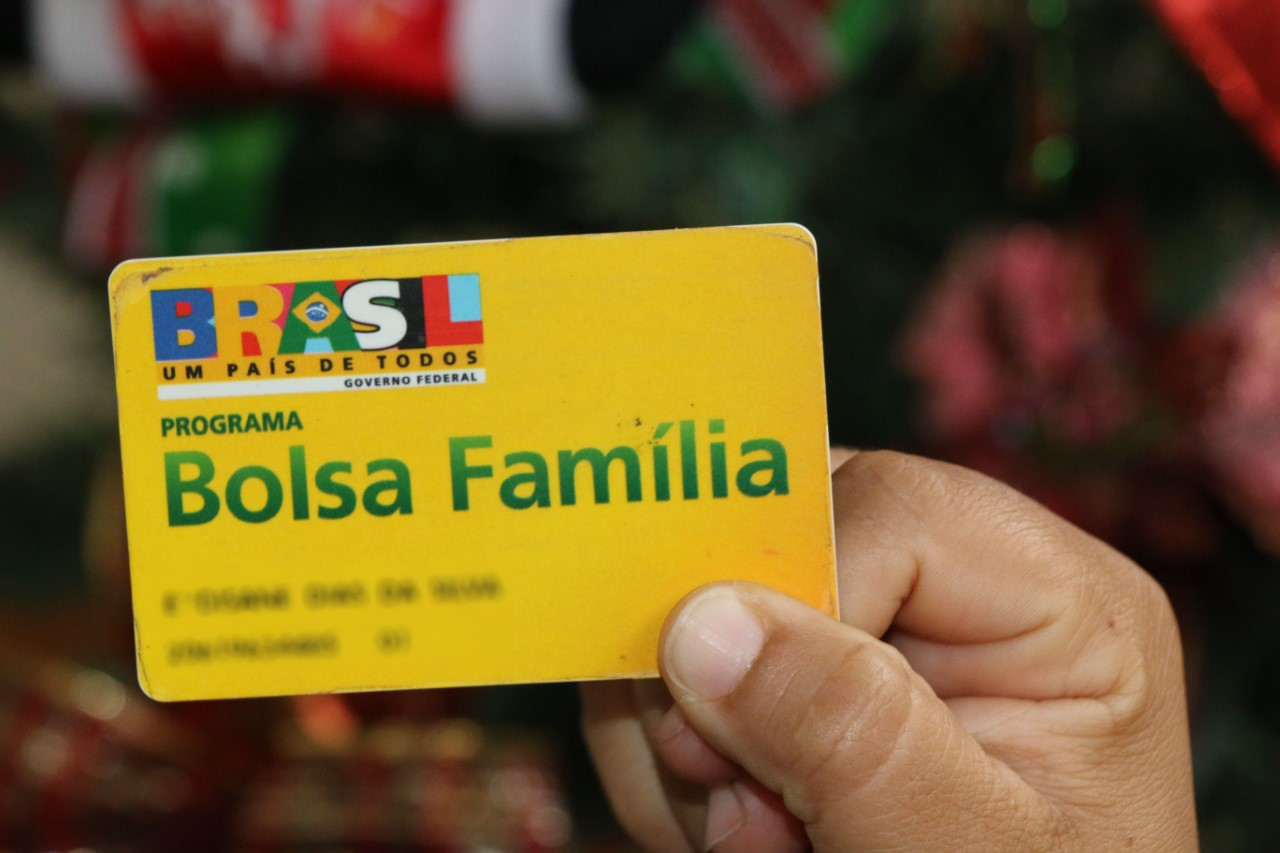 Governo, por meio da Setas, orienta beneficiários sobre Abono Natalino do Bolsa Família