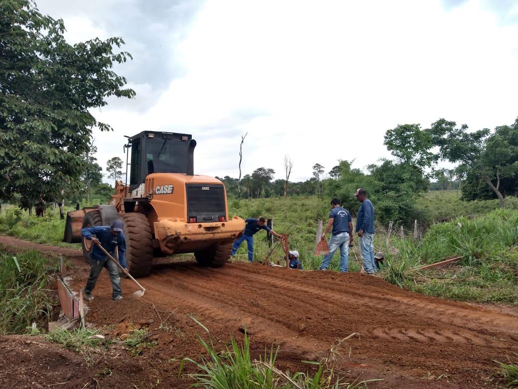 Prefeitura de Miracema realiza manutenção em estradas na região do Brejinho