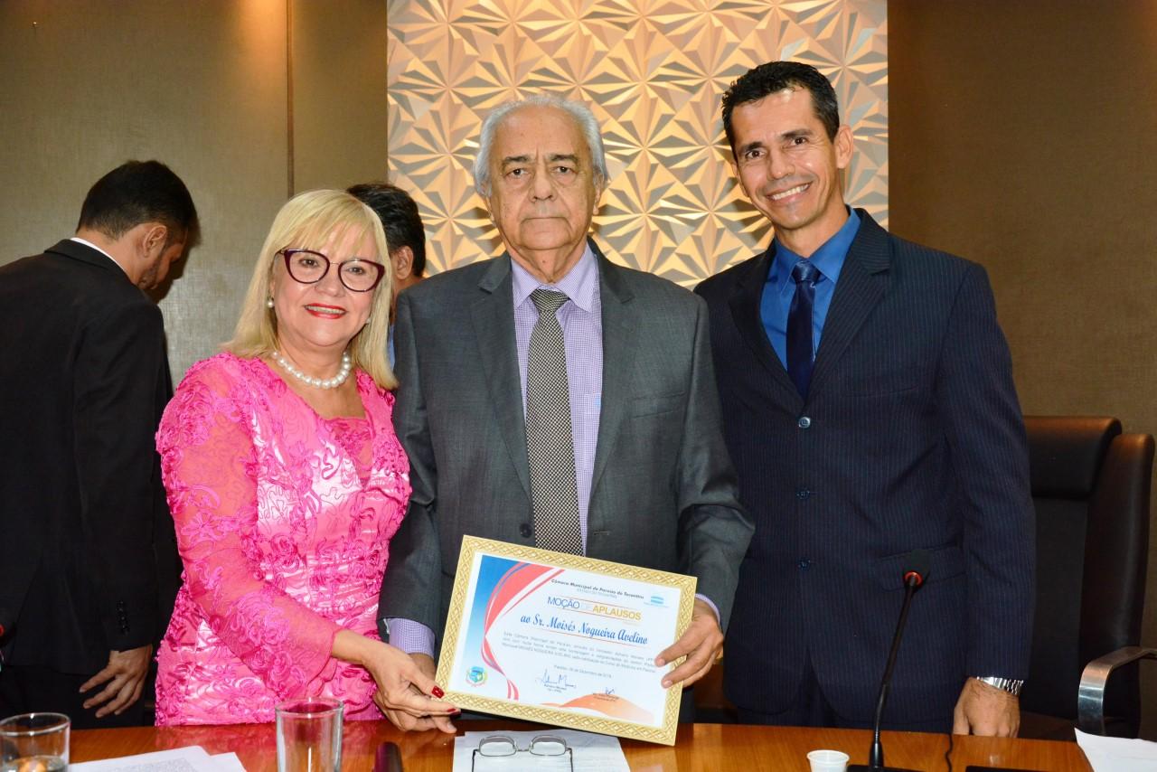 Prefeito Moisés Avelino é homenageado na Câmara com Moção de Aplausos