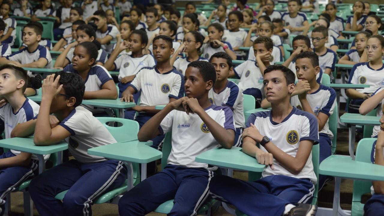 Alunos da Escola Almirante Tamandaré participam de programação do Projeto Recreião
