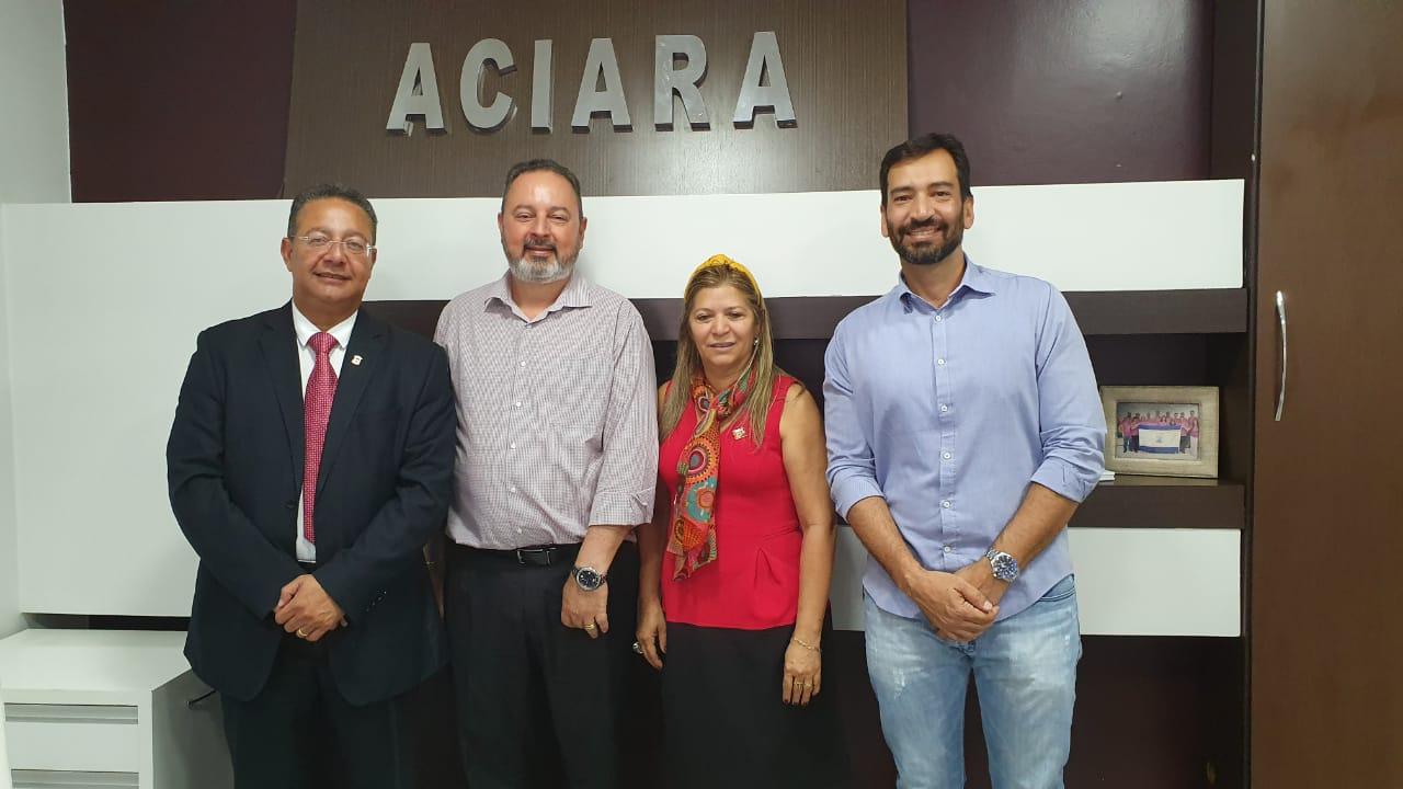 Secretário Tom Lyra seSecretário Tom Lyra se reúne com empresários de Araguaína para tratar de demandas para o fortalecimento da classe empresarial reúne com empresários de Araguaína para tratar de demandas para o fortalecimento da classe empresarial