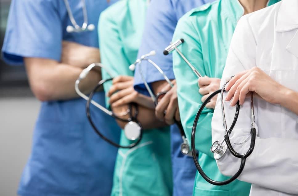 COSEMS-TO divulga vagas para biomédico, farmacêuticos e médicos em diversos municípios do Tocantins