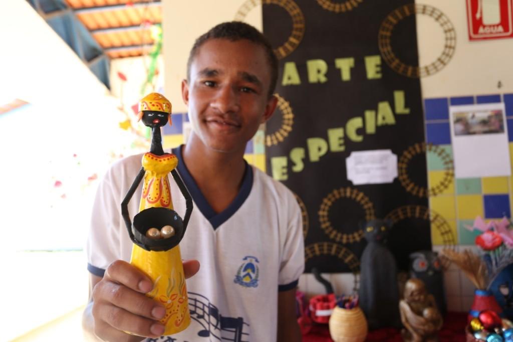 Colégio Meira Matos promove a exposição Arte Especial em Aparecida do Rio Negro