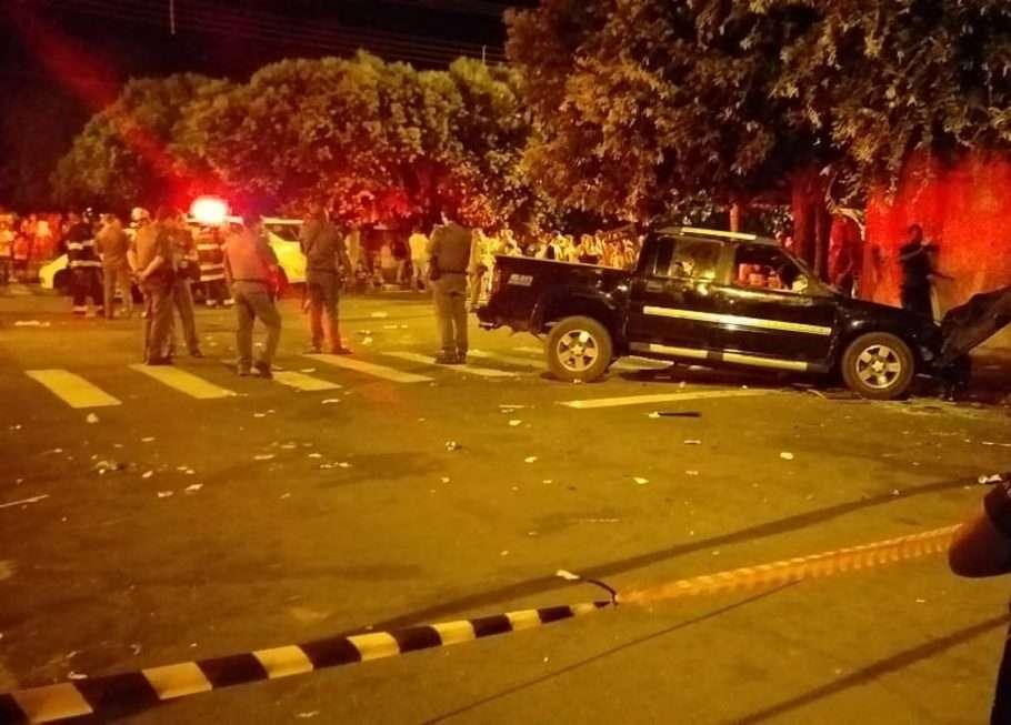 Após briga, homem atropela 17 em bar no interior de SP; 2 morreram