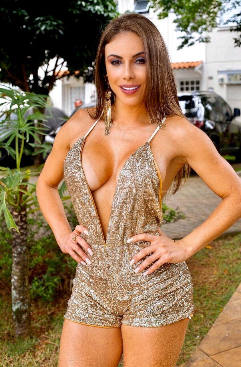 Em nova fase, Bianca Caetano mostra estilo em campanha e fatura com moda