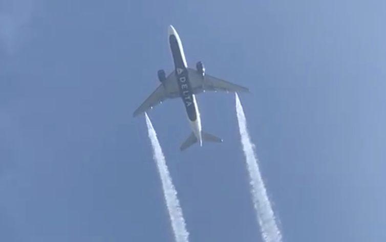 Avião é obrigado a jogar combustível sobre escola em Los Angeles para evitar acidente