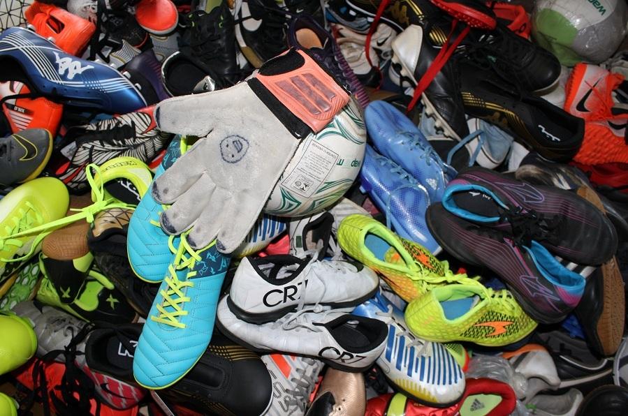Museu do Futebol oferece entrada gratuita para quem doar um par  de chuteiras