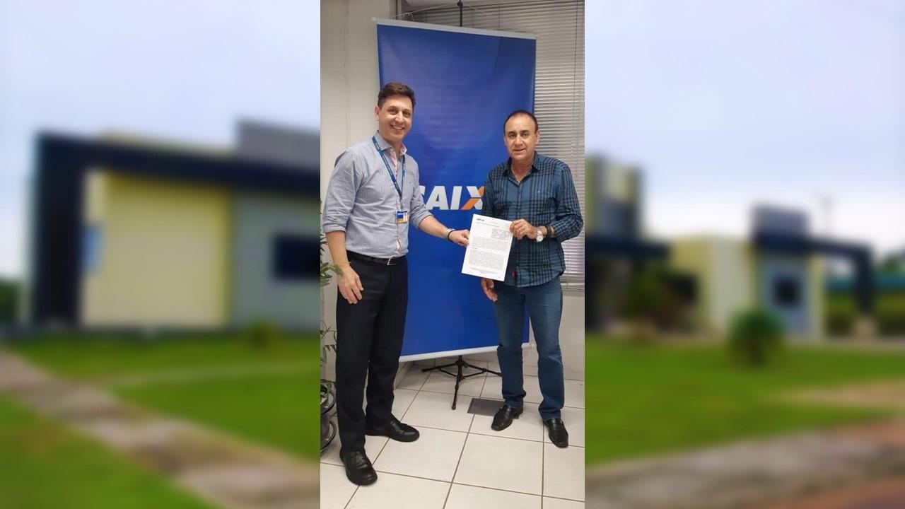 Prefeito Cléo comemora empenho de recursos para revitalização de estradas vicinais de Monte Santo